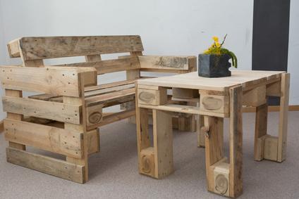 Tisch Aus Paletten Bauen tolle möbelstücke aus paletten bauen heimwerkerherz de